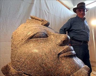 Descubierto en Luxor un busto del faraón Amenhotep III de hace 3.400 años
