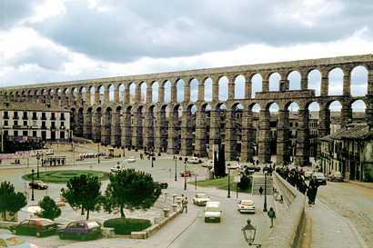 EL WORLD MONUMENTS FUND anuncia la lista de los 100 sitios de mayor riesgo, entre ellos; El Acueducto de Segovia