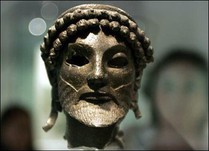 El Museo Arqueológico de Atenas reabre tras el seísmo de 1999 con tres colecciones