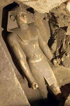 Egipto. Hallan una estatua oculta hace 3600 años
