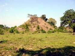 México. Descubren pirámides cubiertas de lodo y hierba en Veracruz