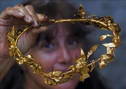 Descubren la tumba de un rey tracio llena de oro en Bulgaria