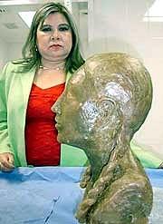 """Reconstruyen en México rostro de mujer que vivió hace 3.500 años. """"La dama de Tlacojalpan"""""""