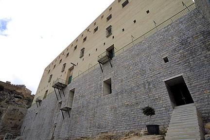 Entrada actual al teatro romano de Sagunto