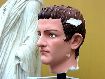 TA Caligula 4