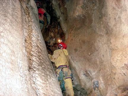 Cueva Dos Hermanos Arintero León 8