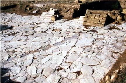 Excavación en el Foro de Singilia Barba siglos I al IV ta