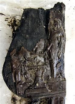 Trono madera Villa de los Papiros Herculano 005