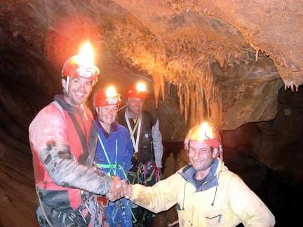 Cueva Dos Hermanos Arintero León 01