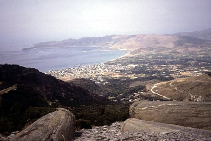 Euboea vistas con columnas templo