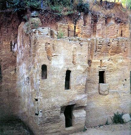 necropolis etrusca