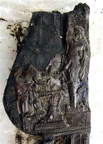Trono madera Villa de los Papiros Herculano 009
