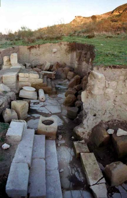 Excavación en el Foro de Singilia Barba siglos I al IV vista ta
