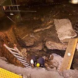 Encuentran seis tumbas romanas en una excavación en Mataró (Barcelona)