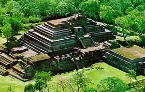 Arqueólogos redescubren las entrañas de templo indígena