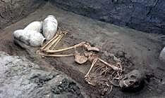 Descubren en Egipto un templo y tumbas de hace cuatro mil años